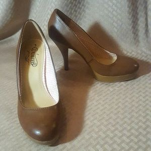 Kenneth Cole Round Toe Pumps Heels - Cognac color